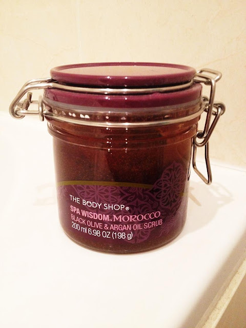beauty blog, The Body Shop scrub review, FashionFake
