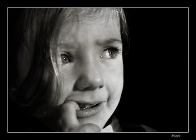 Niño con miedo http://criandomultiples.blogspot.com.es gemelos mellizos