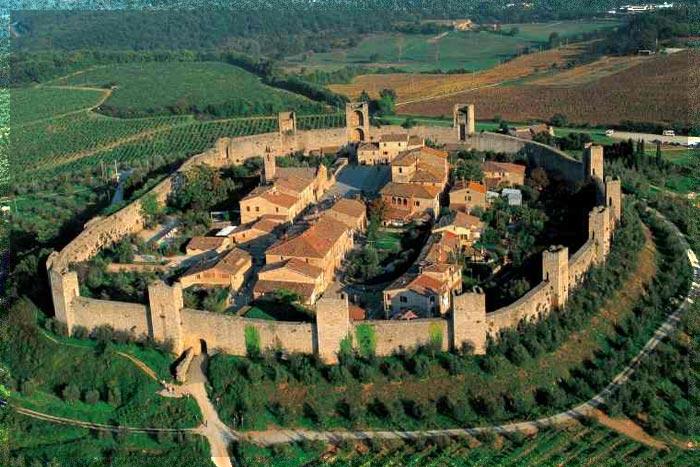 Monteriggioni, Tuscany, Italy photo