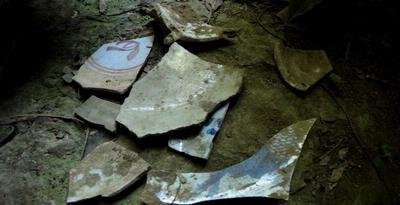 Penemuan Keramik dan Uang Logam Majapahit di Gua Tengkorak