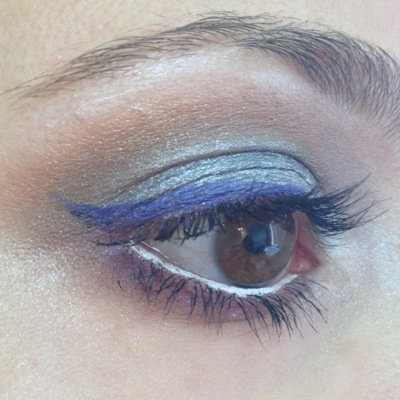 Creating a smoky look with eyeliner