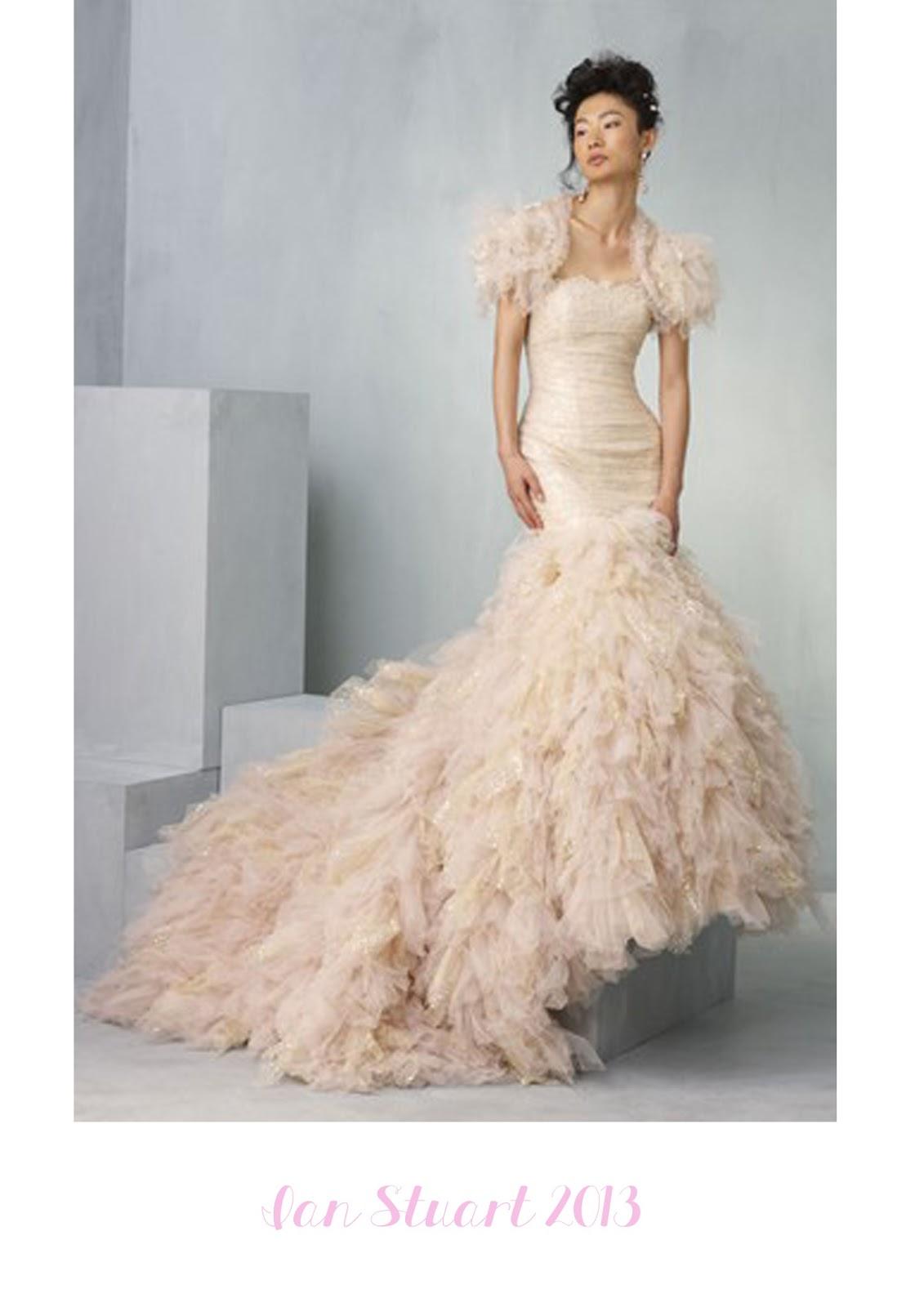 Robe de mariee rose fluo