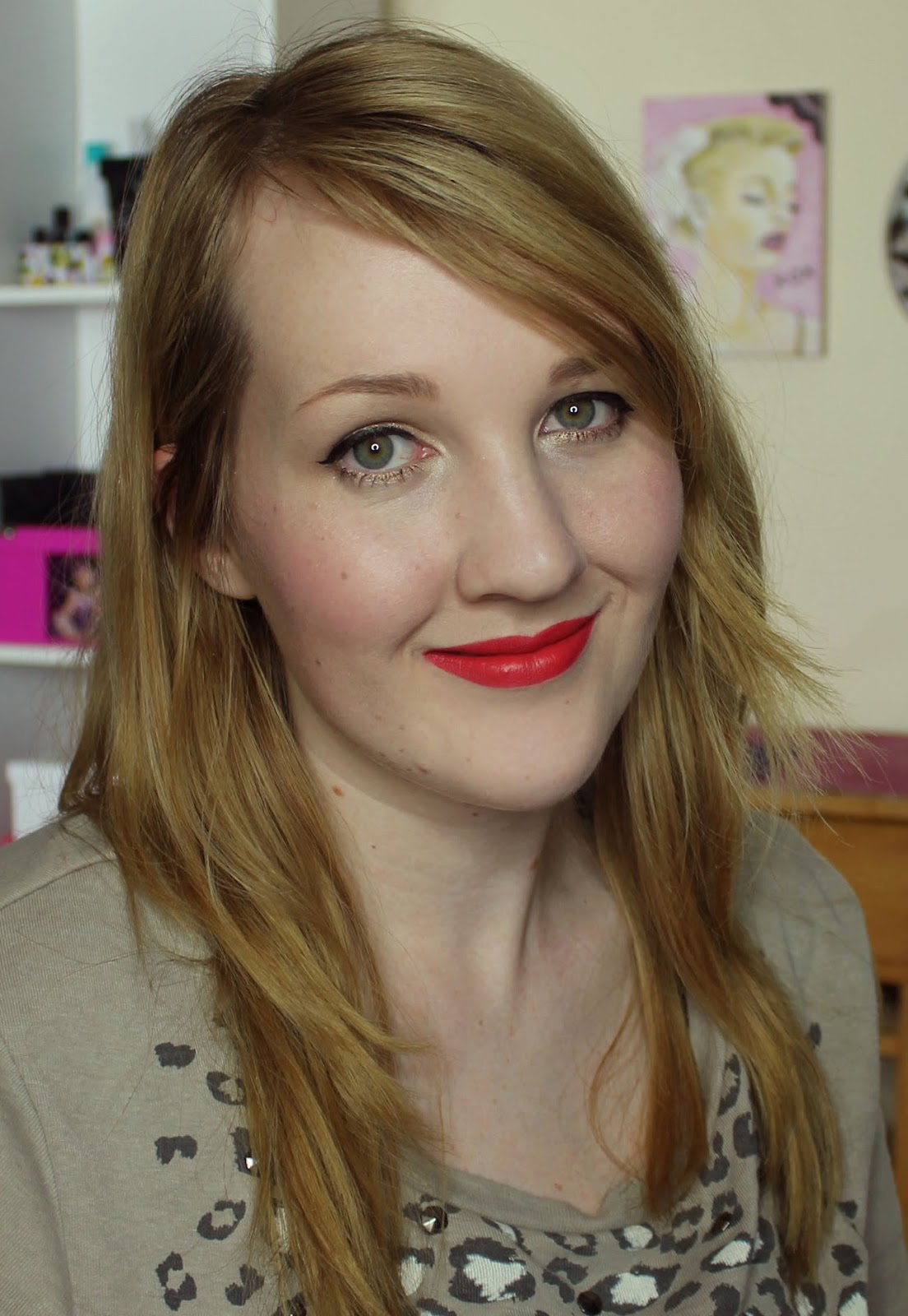 MAC La Vie En Rouge Lipstick Swatches & Review