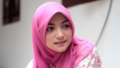 Koleksi Foto Gambar Busana Muslimah Terbaru 2013