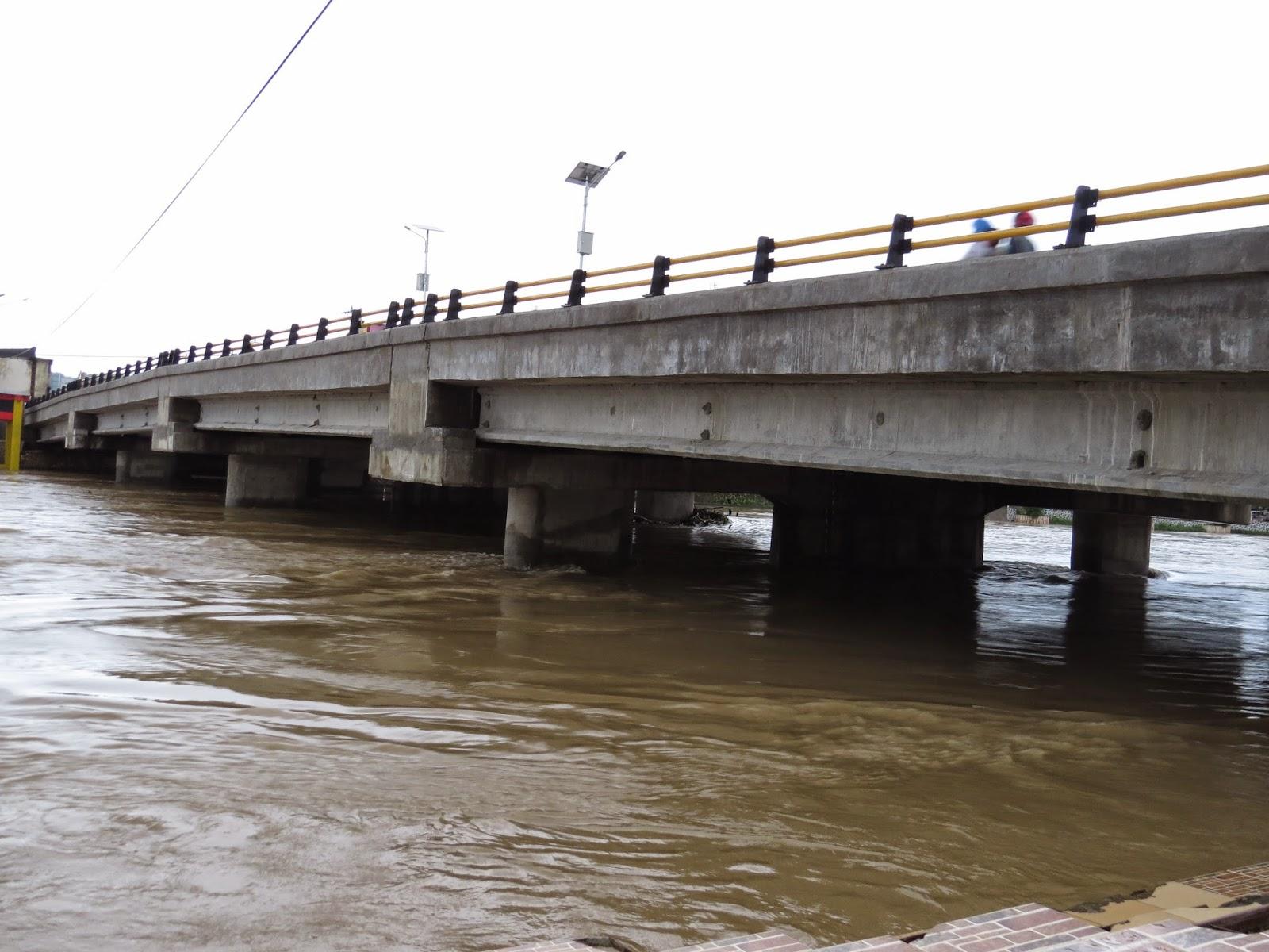 Jembatan Sungai Pangkep Banjir (Foto / Admin )