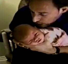 cara menenangkan bayi yang menangis dengan cepat