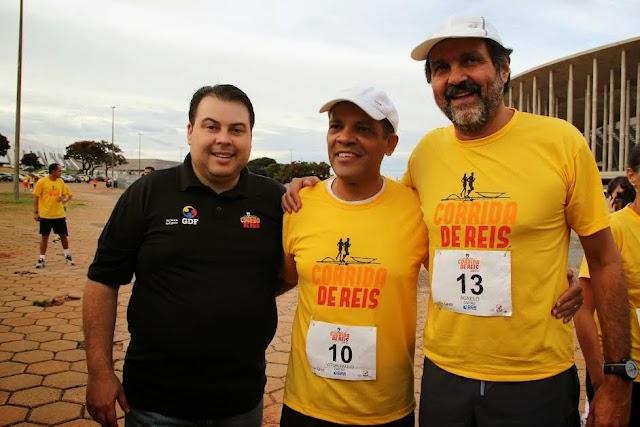 Deputado Federal Vitor Paulo participa  Corrida de Reis