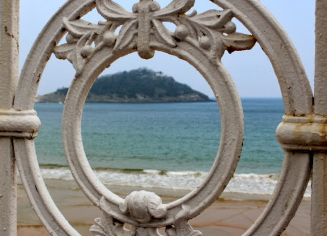 Barandilla de la playa de la Concha