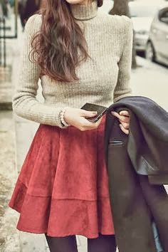 High neck grey sweater, red skirt, leggings and jacket for falla