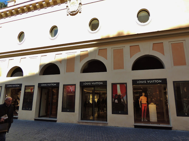 Louis Vuitton flagship store in Rome - former cinema