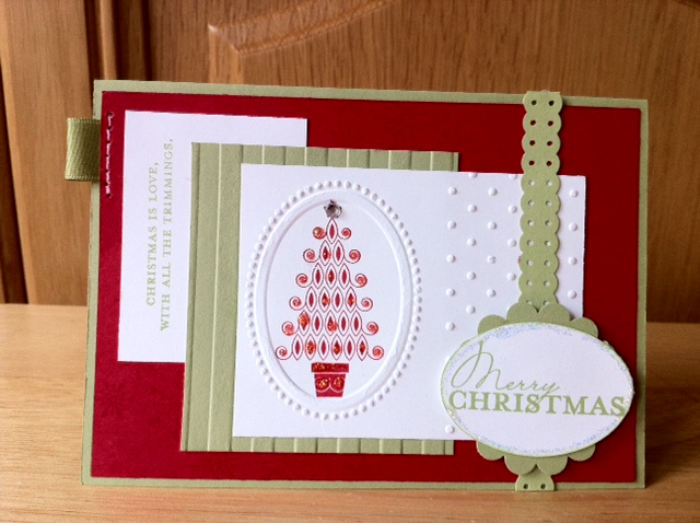 Linda's Craft Room: Five christmas cards and a little cracker!