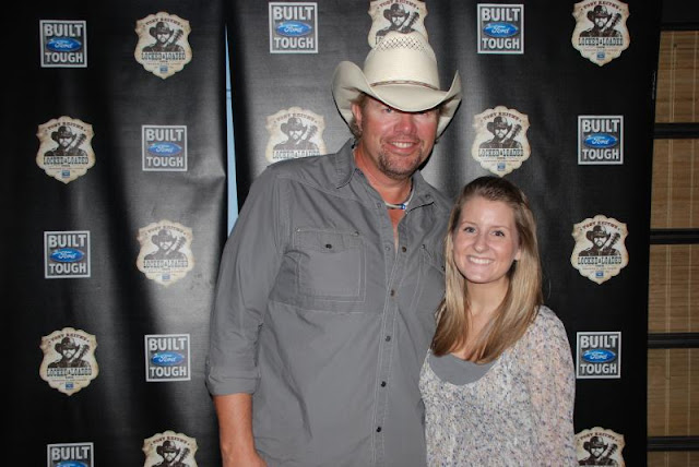 Kayla mkoy 21 things you oughta know a meet and greet with toby keith from a local radio station neither of us are hardcore country fans but uh why pass up this free opportunity m4hsunfo