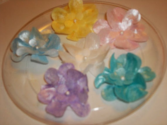 https://www.etsy.com/listing/182688940/edible-wafer-paper-flowers-for-cakes