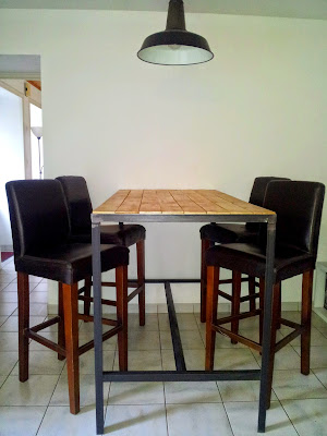 Table haute industrielle for Table haute separation cuisine salon