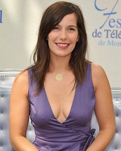 Zoe Saldana Bra Size