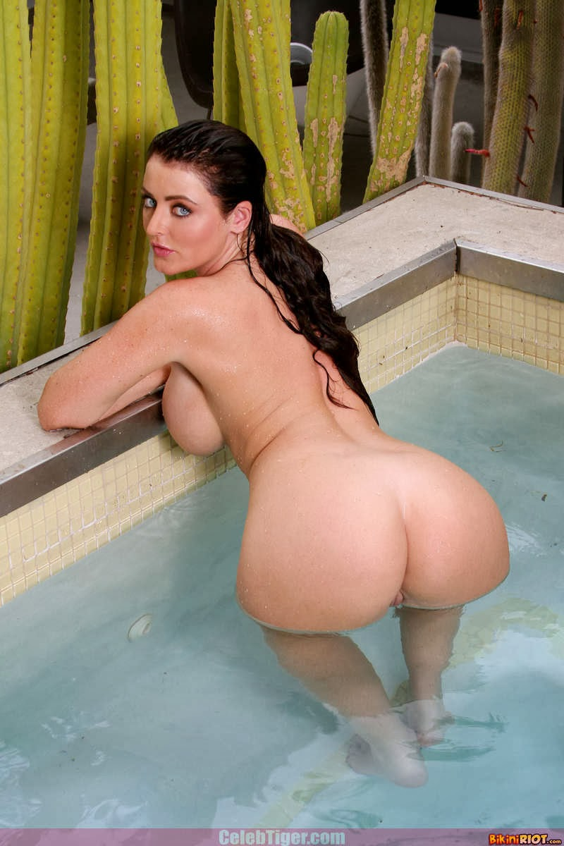 Busty+Babe+Sophie+Dee+Wet+In+Pool+Taking+Off+Her+Blue+Bikini+Posing+Naked www.CelebTiger.com 82 Busty Babe Sophie Dee Wet In Pool Taking Off Her Blue Bikini Posing Naked HQ Photos