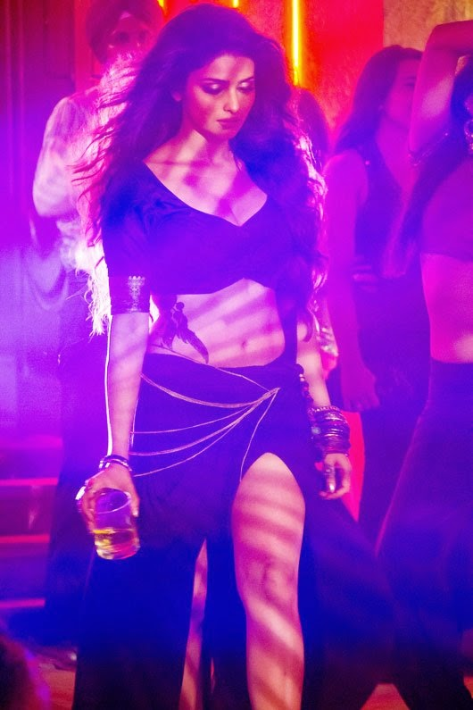 Prachi Desai's hot big cleavage from song awari of ek villian hd hot pics free download song awari hd hot pics prachi desai the most sexiest actress of bollywood, sexy hot pics of prachi desai from ek villian
