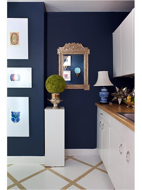 navy blue walls L wopC3e