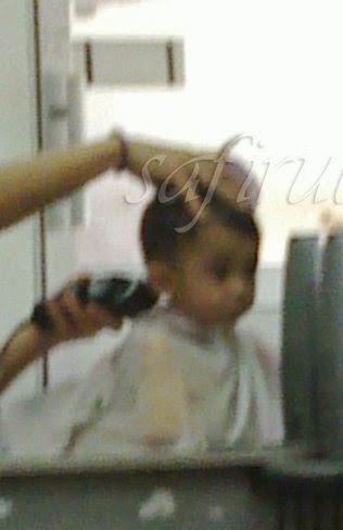 Bawa anak pergi gunting rambut