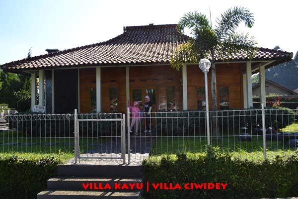 Objek Wisata Bali dan Bandung