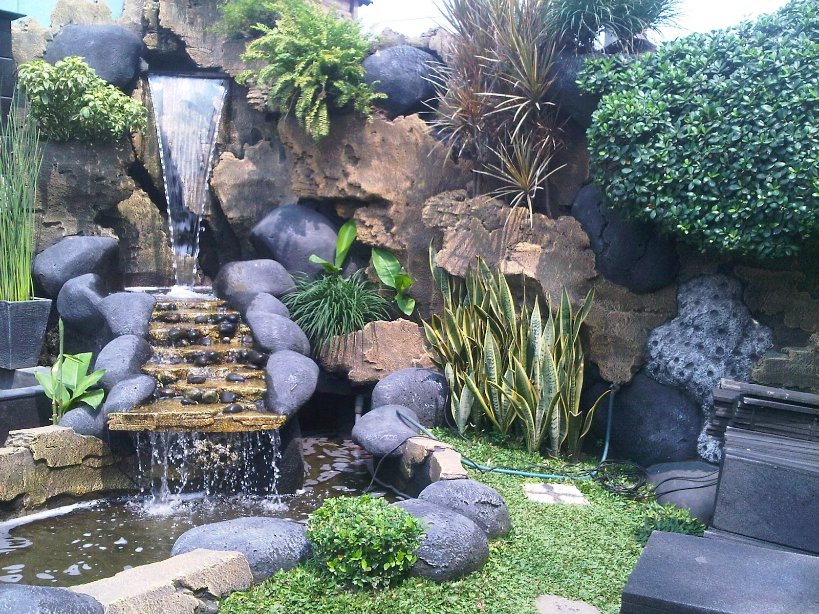 gambar penataan taman rumah minimalis