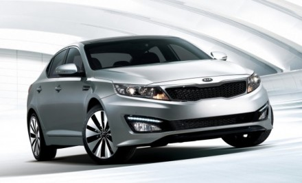 Front 3/4 view of silver 2011 Kia Optima