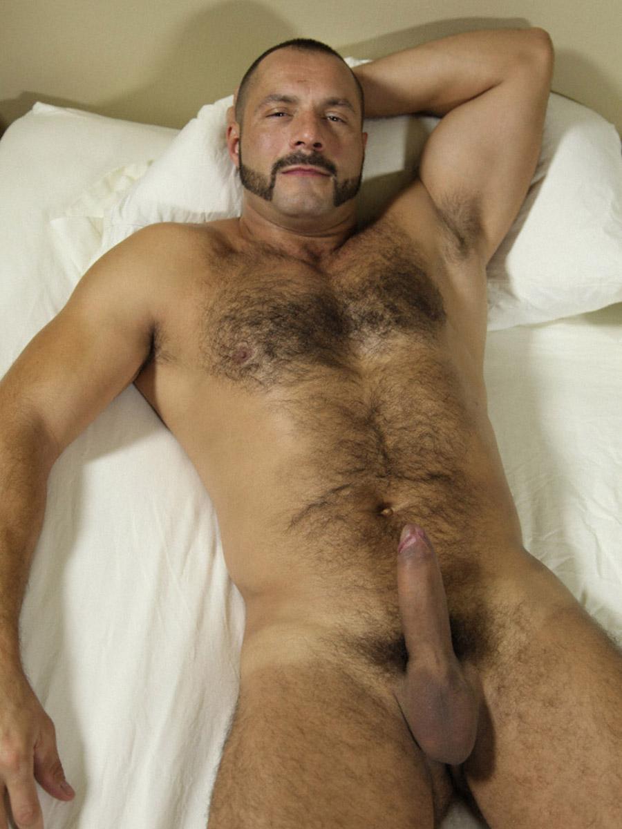 Волосатый голый мужик фото @ m1bar.com