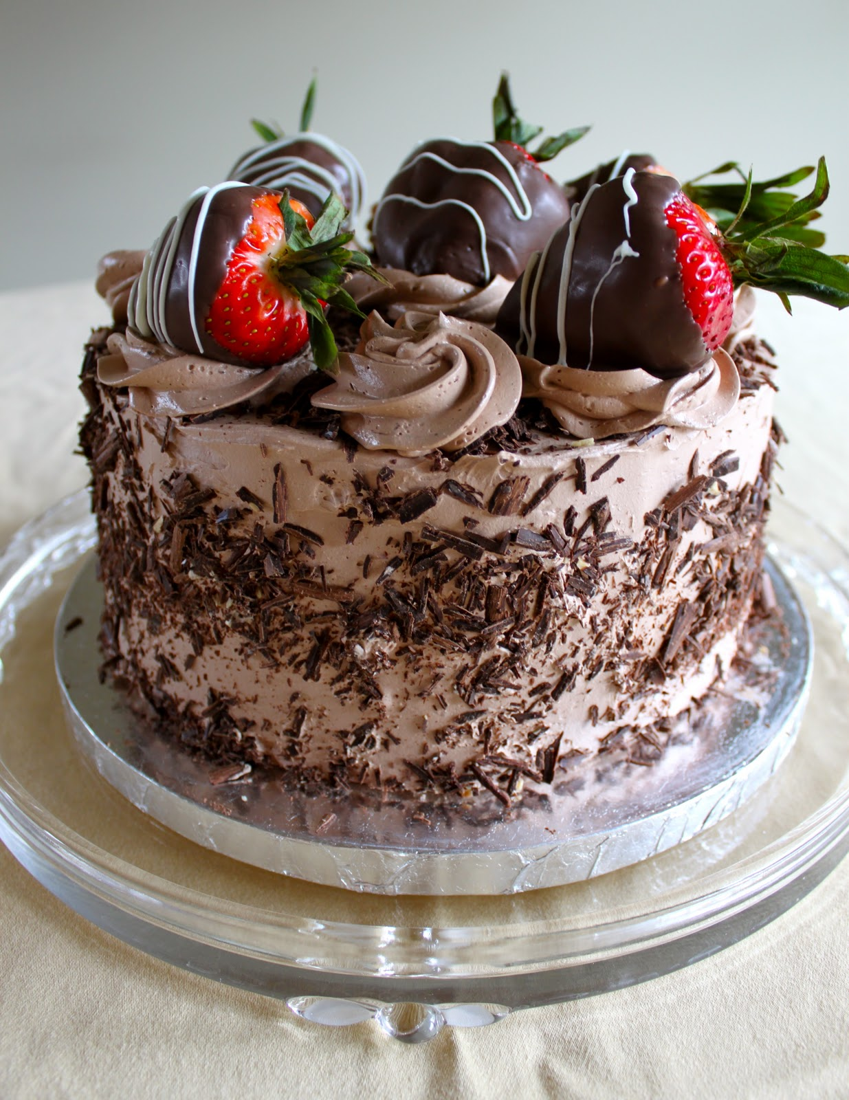 Cake With Chocolate Ganache And Strawberry Filling : Cafe Coco: Dark Chocolate Cake with Dark Chocolate Mousse ...