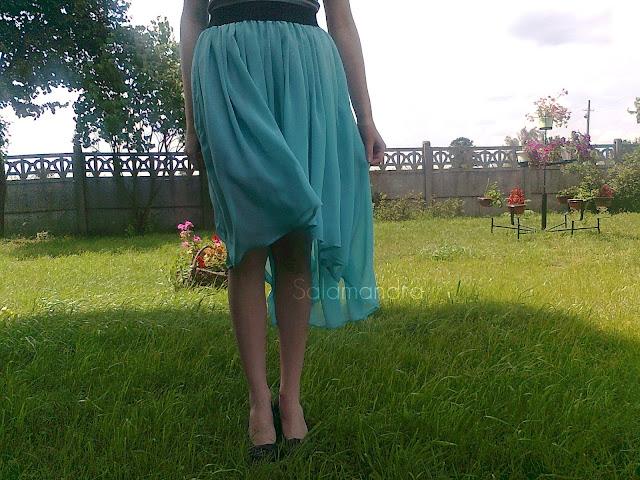 miętowa asymetryczna spódnica