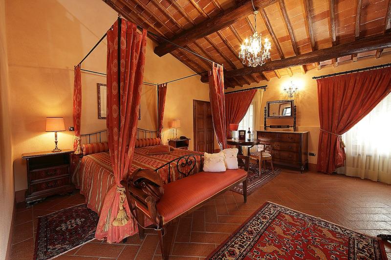 Tra i castelli romantici pi belli della toscana il for Planimetrie della camera a castello