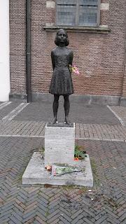 Utrecht Anna Frank statue