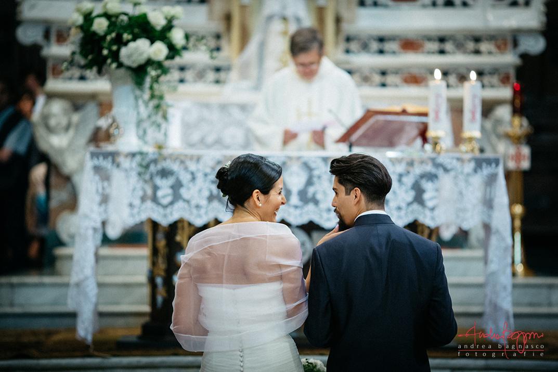 sposi altare matrimonio religioso