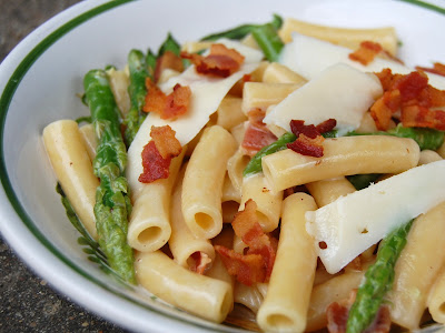 Cassie Craves: White Wine Pasta with Bacon, Asparagus and Asiago