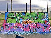 Dibujos y Graffitis sobre rampas de Skate masis