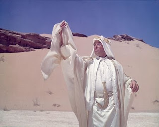 Lawrence in new robes Lawrence of Arabia 1962 movieloversreviews.blogspot.comt
