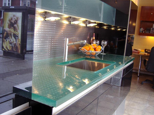kitchen-designs-with-amazing-glass-tops-from-ThinkGlass-14