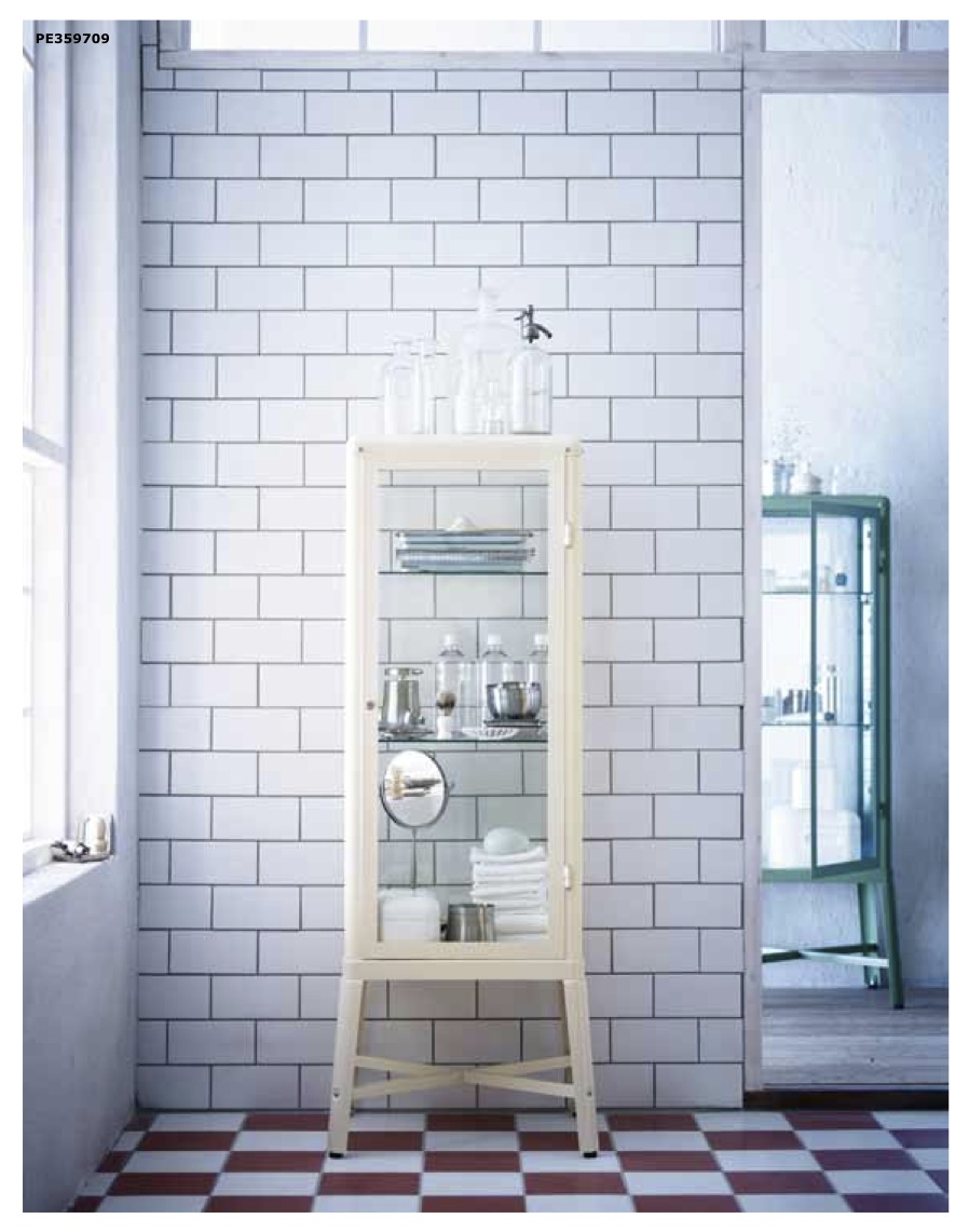 Astenersi no perditempo ikea vintage novit 2013 2014 for Ikea vetrine in vetro