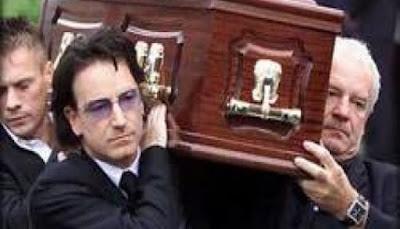 البريطانيون يتخلصون من موتاهم بسبب ارتفاع تكاليف الدفن