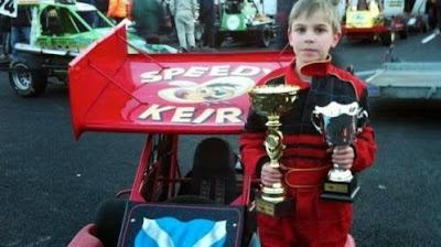 niño 11 años muere por heridas participando carrera coches Escocia