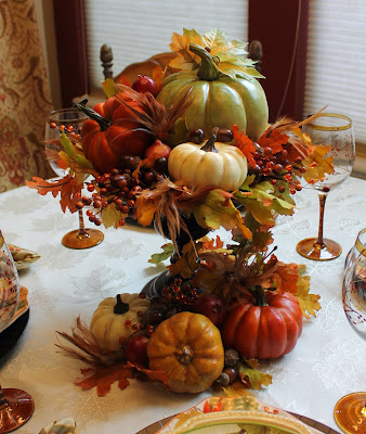 fall kitchen and tablescape