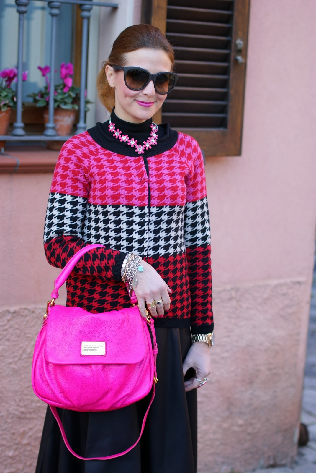Marc by Marc Jacobs lil ukita pink bag, pied de poule cardigan, sodini necklace, fashion and cookies, fashion blogger