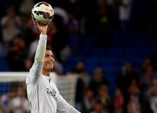 Ronaldo ghi cú poker