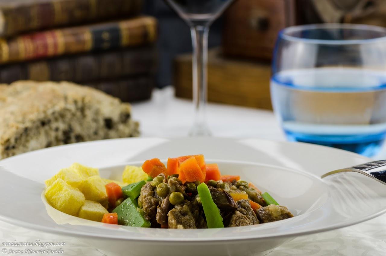 Carne gobernada con menestra de verduras