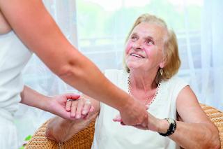 3 dicas de ouro para Idosos com Alzheimer em isolamento