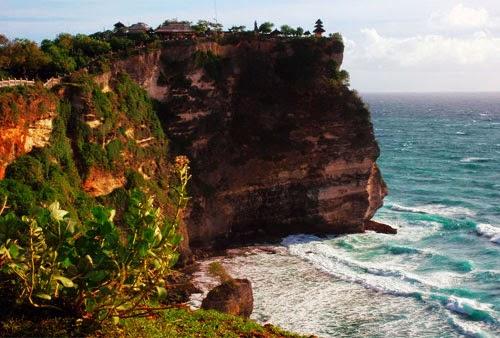 Jelajah Tempat Wisata Di Bali : Pura Uluwatu