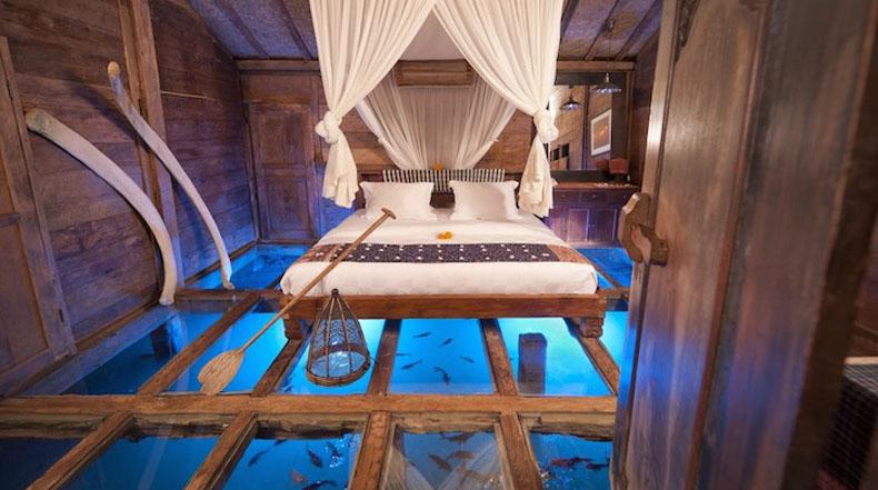 Suelo de vidrio de habitación revela maravilla subacuáticas