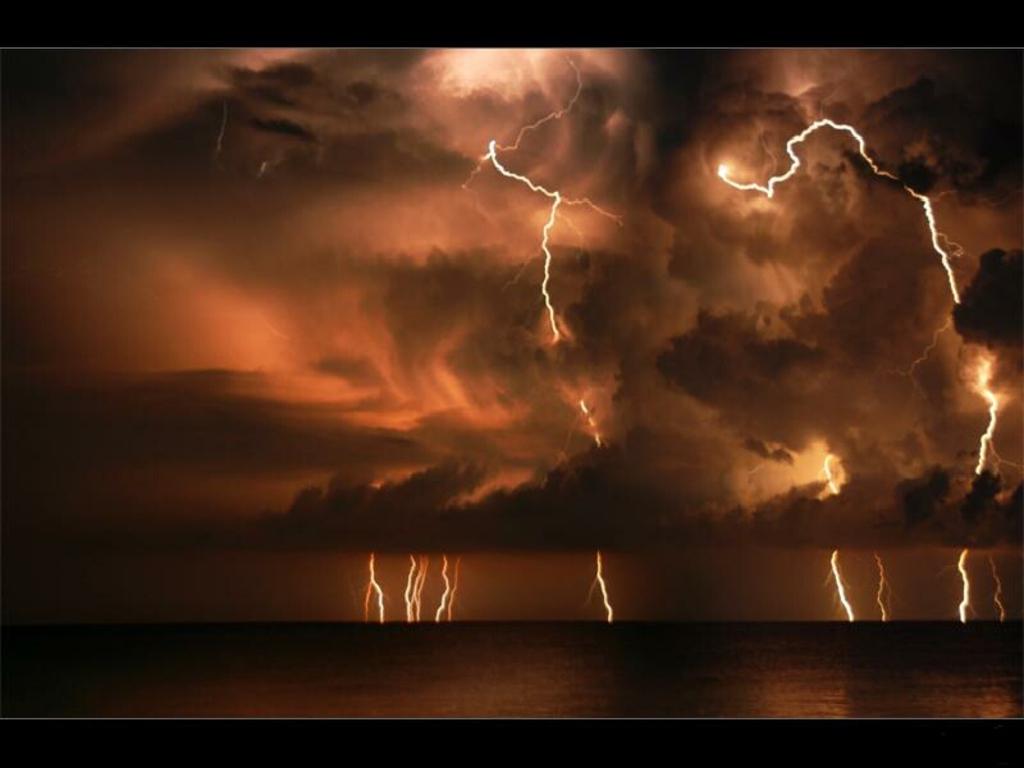 http://4.bp.blogspot.com/-i4c2VCZYyvg/Tzr48B0YuKI/AAAAAAAAGdU/8SySGGjJiWA/s1600/thunderstorm_lightning_wallpaper.jpg