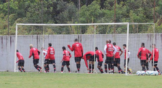"""JEC chega para o confronto motivado por empate """"na raça"""" diante do Atlético-PR (Foto: Divulgação/Joinville)"""