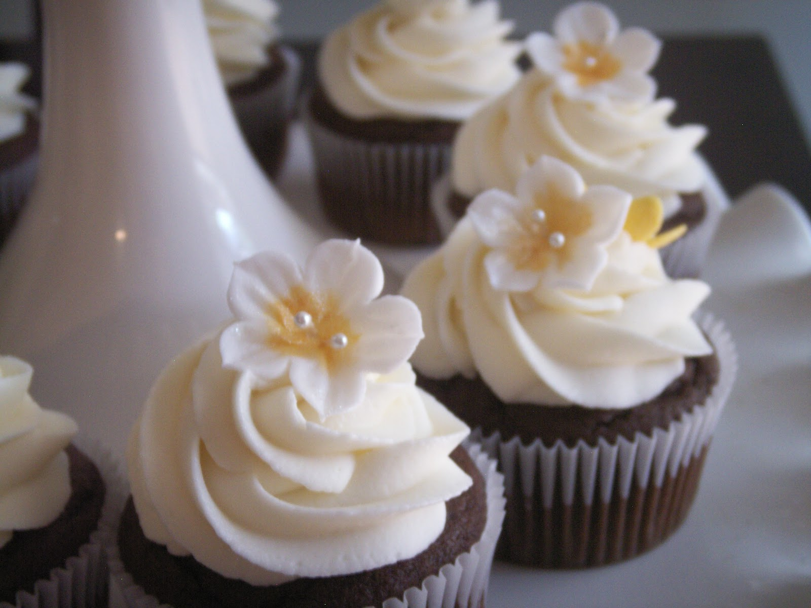 Bridal Shower Cupcakes PoppyCake Boutique
