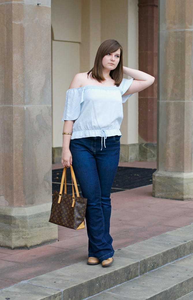 flared pants 70s off-the-shoulder outfit